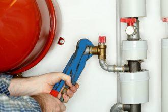 Gázvezeték javítása szakemberrel
